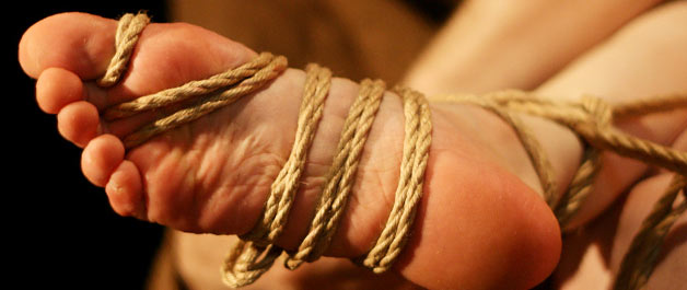 bondage_feet2